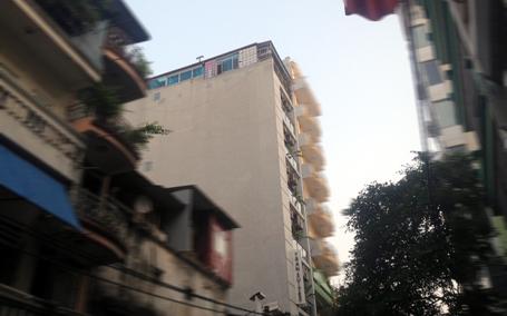 tòa nhà xây dựng sai giấy phép ở phố mai hắc đế