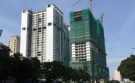 xây dựng chung cư sai giấy phép.