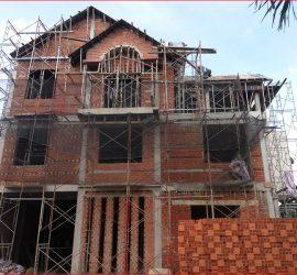 khởi công xây dựng khi quá thời hạn cấp phép.